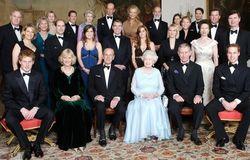 Принцы Уильям и Гарри превзошли по популярности королеву Елизавету II