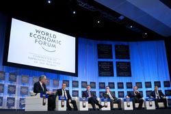 Яресько в Давосе встретится с 15 министрами финансов