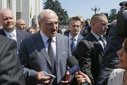 Лукашенко призвал жестко действовать на востоке Украины
