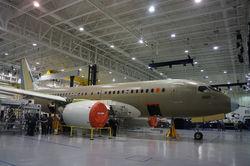 Канадский конкурент SSJ 100 совершил первый коммерческий полет