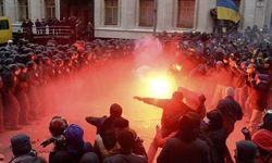 СМИ Венгрии: Украина на пороге революции