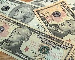 Курс доллара продолжает укрепление на Форекс: рост к фунту составил 0,55%