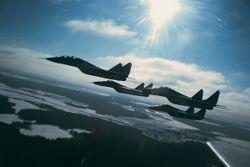 Американские летчики сообщили о визуальном контакте с самолетами РФ