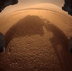Марсоход Curiosity передал на Землю новые снимки пейзажей Марса