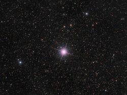 Обнаруженная в декабре звезда меняет свой цвет – причины