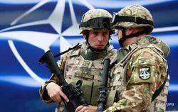 НАТО будет укреплять фланг у границ России