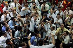 Цена помощи Крыму: паника на бирже России и остановка торгов МММБ