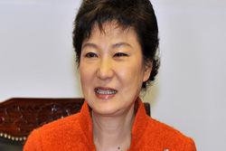 Президент Южной Кореи предлагает Ким Чен Ыну встретиться