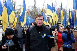 Юрий Луценко в новогоднюю ночь на Евромайдане загадал три желания