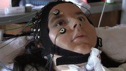 Полностью парализованные пациенты смогут общаться с окружающими