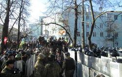 Мир шокирован человеческими жертвами в ходе столкновений в Киеве 18 февраля