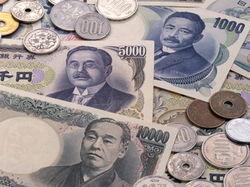Японская иена растет на 0,25% перед выходом важных данных по Японии