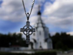 В.Янукович: люди должны иметь право молиться там, где они хотят