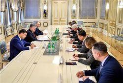 Почему Запад резко отреагировал на заявление об отставке Абромавичуса