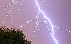 В Нижнем Новгороде молния ударила в мангал, один человек погиб