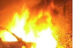 В Ужгороде очередной поджог авто чиновника – пострадала BMW