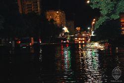 Ураган и ливень корчует деревья и топит Одессу - последствия