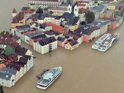 Наводнение в Германии: кому убытки, а кому и прибыль