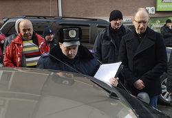 Кто следил за Яценюком в Черновцах? СБУ открещивается