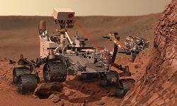 Очередное достижение марсохода Curiosity: на пленку заснят спутник Марса