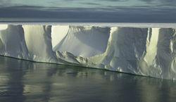 Гренландия айсберг