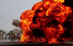 ДТП с участием бензовоза привело к сильнейшему пожару в Алма-Ате