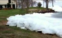 ТОП видео Youtube: сильный ветер подвинул льдину в США,- необычности