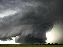На Калифорнию надвигается ураган «Косми»