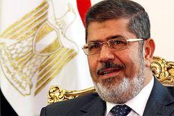 Свергнутому президенту Египта предъявили обвинения в соучастии в убийствах и пытках