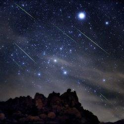 Сегодня земляне увидят мистический метеоритный дождь