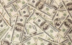 """В США пустят """"под нож"""" новые 100-долларовые банкноты - причины"""
