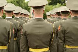 Горемыкин: переход на контрактную армию нецелесообразен