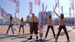 Девушек из FEMEN задержали за акцию против приезда Лукашенко на финал Евро 2012