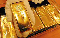 Инвесторам: спрос на золото остается низким