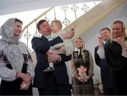 Юрий Луценко впервые стал крестным отцом – его ждали полтора года