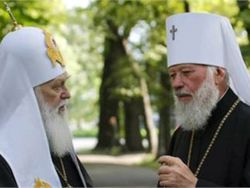 Сенсация на празднике крещения Руси: Владимир и Филарет обнялись