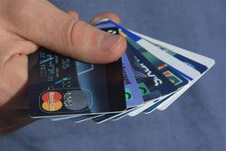 В Беларуси планируют ужесточить контроль за держателями пластиковых карт