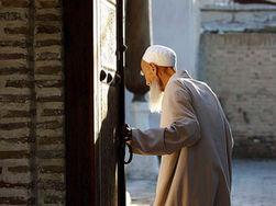 Правительство Узбекистана начало борьбу с несвоевременной выплатой пенсий