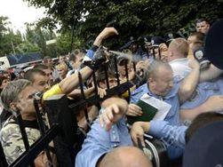 Милиция привлечет к ответственности активистов, напавших на Святошинский райотдел