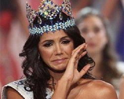 Получив корону, мисс-мира 2011 расплакалась