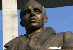 Под Львовом поломали памятник Бандере: неповиновение или новый тренд Западной Украины