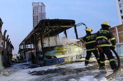 На юго-востоке Китая неизвестные подожгли автобус с людьми