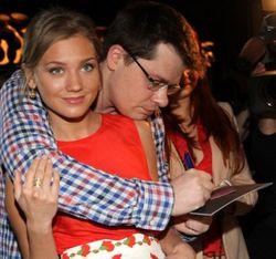 Асмус и Харламов уже разбежались, так и не поженившись – СМИ