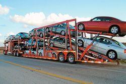 Узбекистан просит Россию об отмене таможенного налога на автомобили