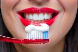 Удар ученых по бизнесу: в зубной пасте найдено опасное вещество
