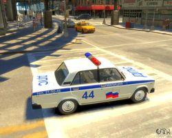 В Москве перевернулся полицейский ВАЗ, пострадал задержанный
