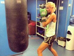 Какой спорт предпочитают участники Дом-2: Бузова заинтересовалась боксом