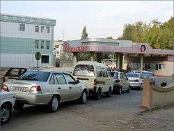 Пик дефицита: в Узбекистане на заправках практически исчез бензин