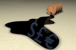 Нефть торгуется у минимумов за полгода