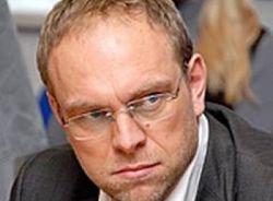 Власенко не уедет с Украины и продолжит защиту Тимошенко